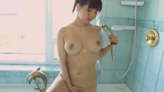 恵体着エロアイドル、赤根京、エロすぎる肢体を惜しげもなく披露する!